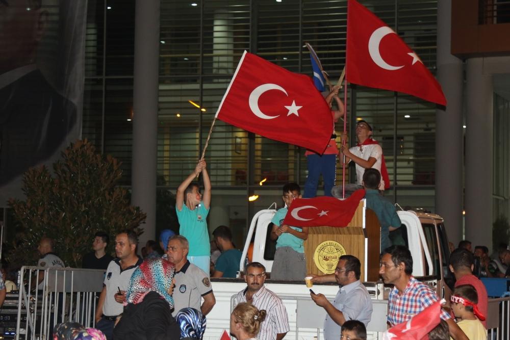 Fotoğraflarla Akhisar'da demokrasi nöbetinin 25. günü 10