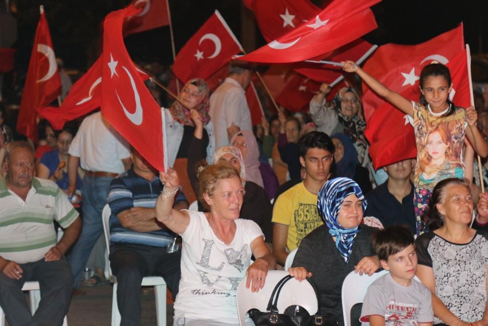 Fotoğraflarla Akhisar'da demokrasi nöbetinin 25. günü galerisi resim 12