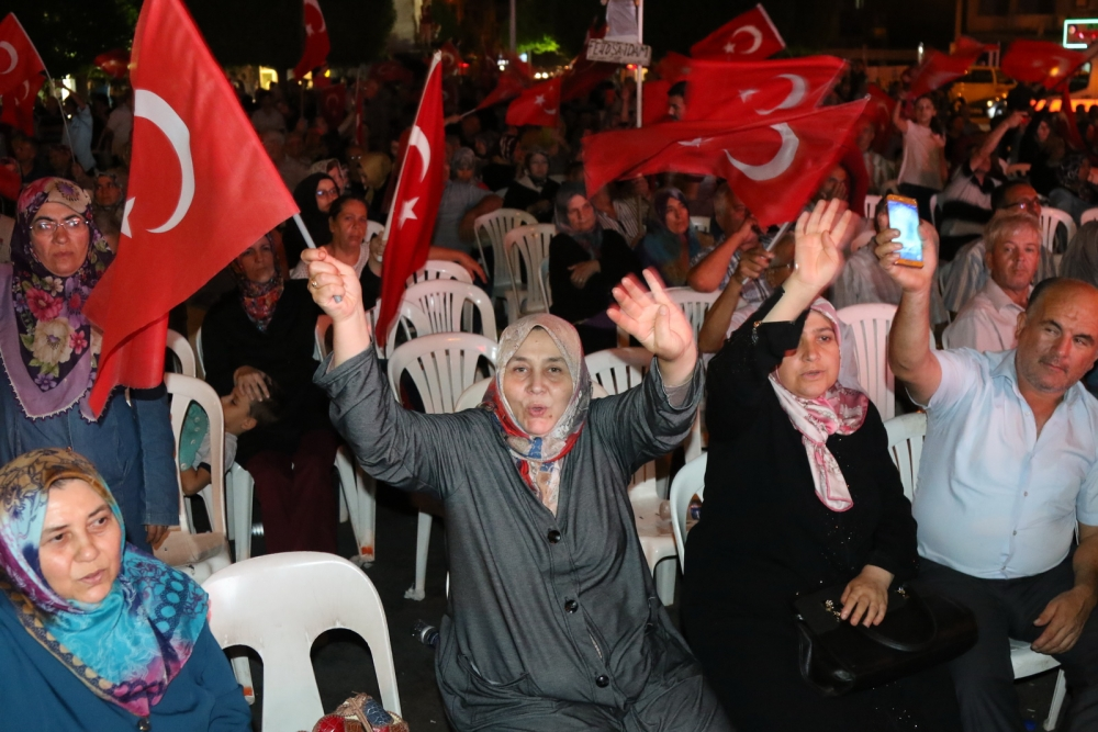 Fotoğraflarla Akhisar'da demokrasi nöbetinin 25. günü 15