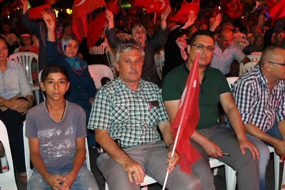 Fotoğraflarla Akhisar'da demokrasi nöbetinin 25. günü 18