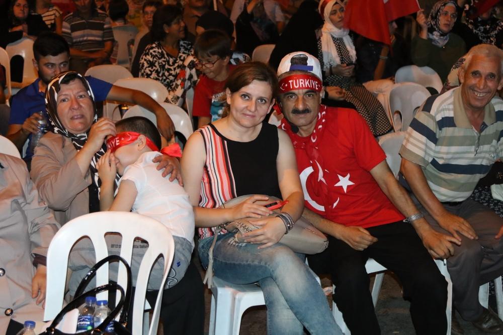 Fotoğraflarla Akhisar'da demokrasi nöbetinin 25. günü 19