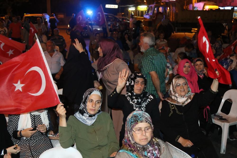 Fotoğraflarla Akhisar'da demokrasi nöbetinin 25. günü 20