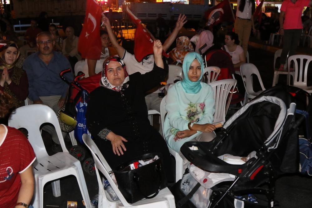 Fotoğraflarla Akhisar'da demokrasi nöbetinin 25. günü galerisi resim 22