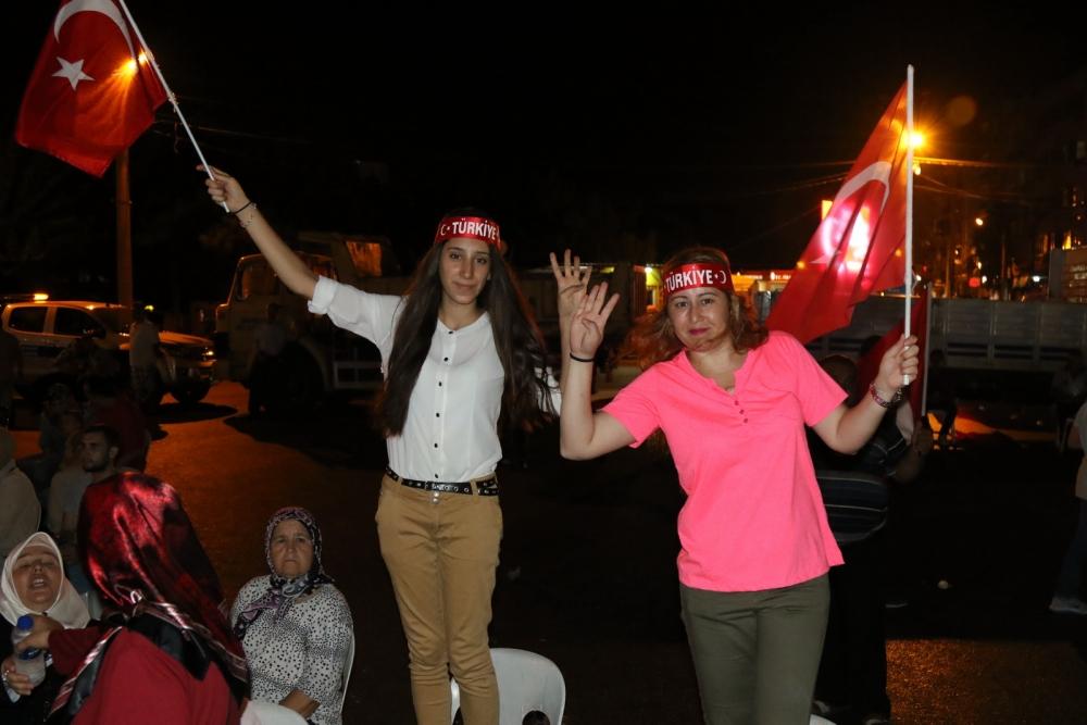 Fotoğraflarla Akhisar'da demokrasi nöbetinin 25. günü galerisi resim 24