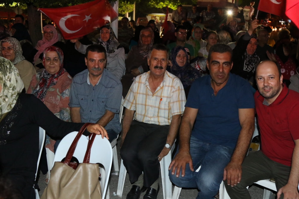 Fotoğraflarla Akhisar'da demokrasi nöbetinin 25. günü 26