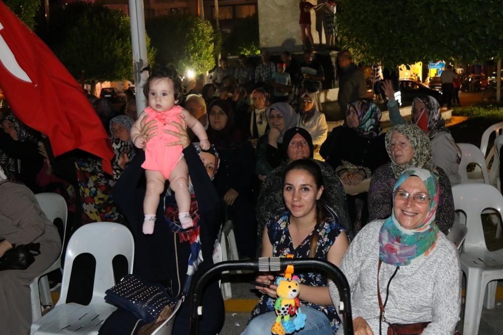 Fotoğraflarla Akhisar'da demokrasi nöbetinin 25. günü 28