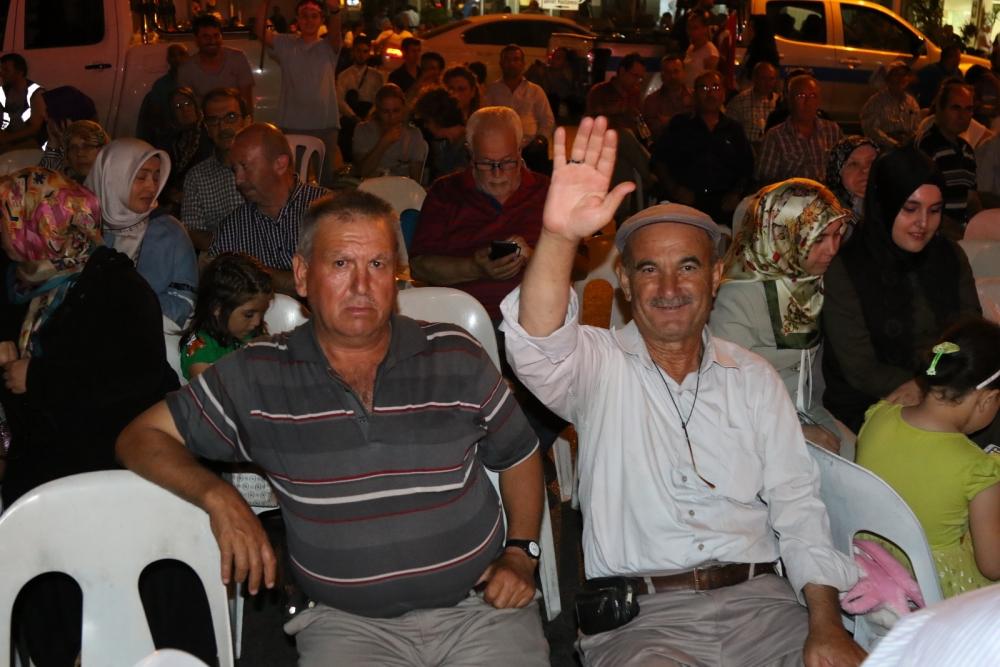 Fotoğraflarla Akhisar'da demokrasi nöbetinin 25. günü 33