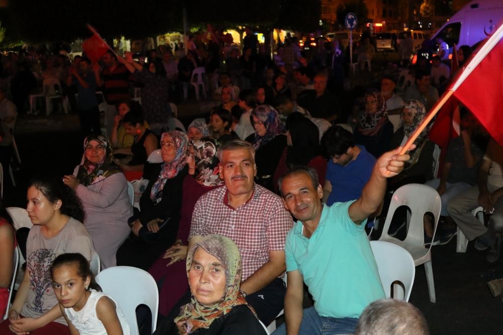 Fotoğraflarla Akhisar'da demokrasi nöbetinin 25. günü galerisi resim 35