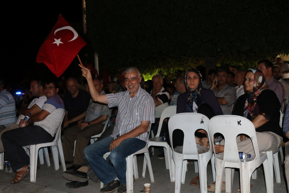 Fotoğraflarla Akhisar'da demokrasi nöbetinin 25. günü 4