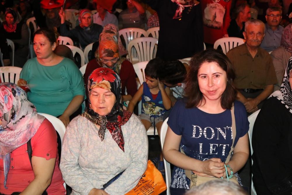 Fotoğraflarla Akhisar'da demokrasi nöbetinin 25. günü 40