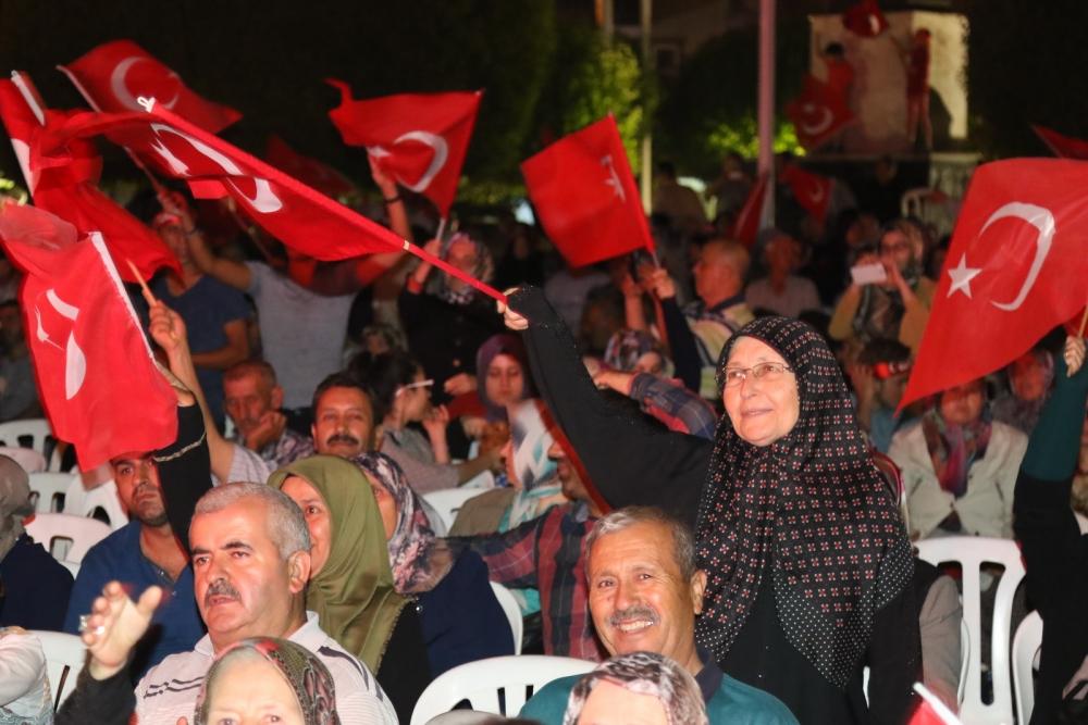 Fotoğraflarla Akhisar'da demokrasi nöbetinin 25. günü 41