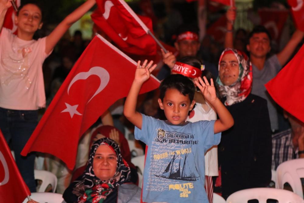Fotoğraflarla Akhisar'da demokrasi nöbetinin 25. günü galerisi resim 43