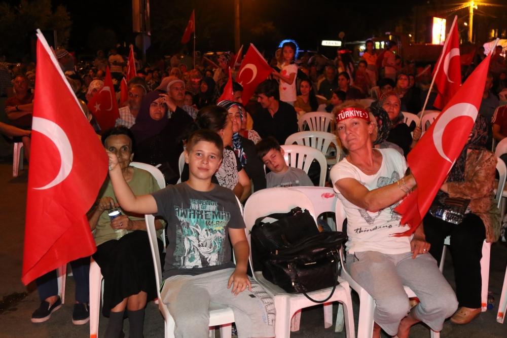 Fotoğraflarla Akhisar'da demokrasi nöbetinin 25. günü galerisi resim 46