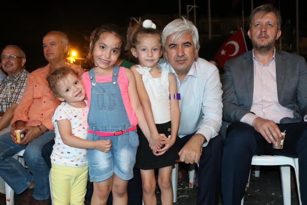 Fotoğraflarla Akhisar'da demokrasi nöbetinin 25. günü 47