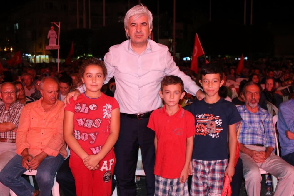 Fotoğraflarla Akhisar'da demokrasi nöbetinin 25. günü galerisi resim 48