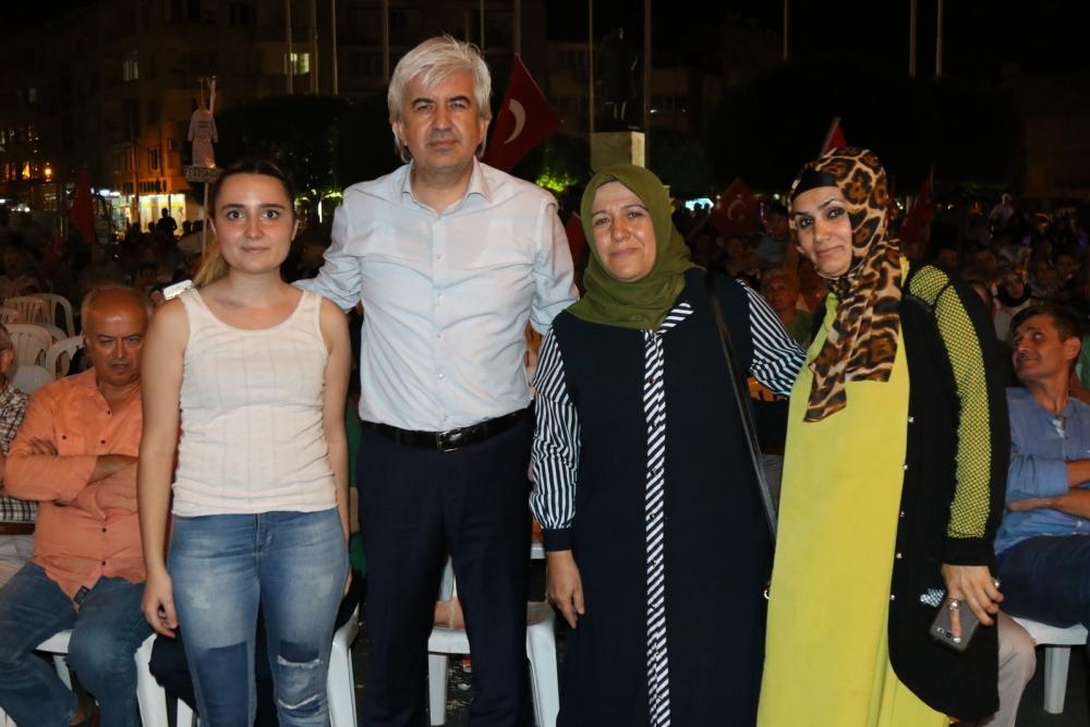 Fotoğraflarla Akhisar'da demokrasi nöbetinin 25. günü galerisi resim 49