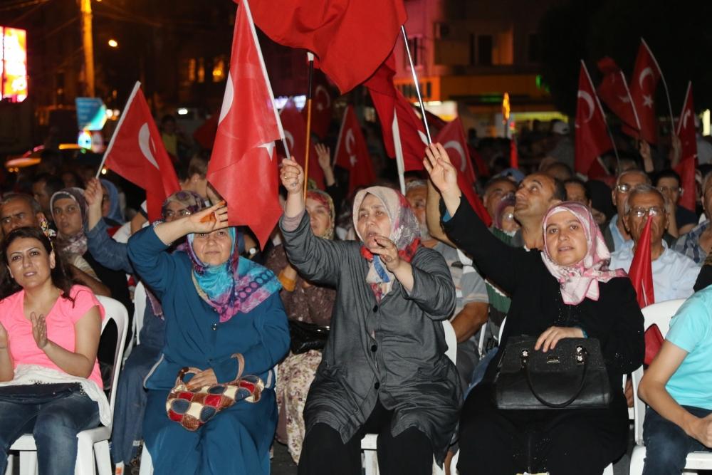 Fotoğraflarla Akhisar'da demokrasi nöbetinin 25. günü 5