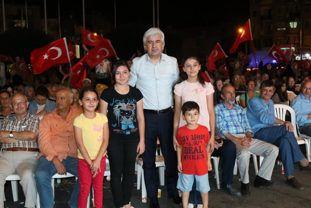 Fotoğraflarla Akhisar'da demokrasi nöbetinin 25. günü 52