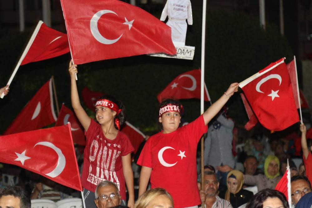 Fotoğraflarla Akhisar'da demokrasi nöbetinin 25. günü galerisi resim 58