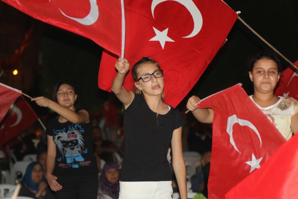 Fotoğraflarla Akhisar'da demokrasi nöbetinin 25. günü galerisi resim 59