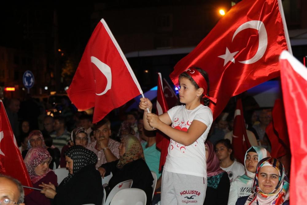 Fotoğraflarla Akhisar'da demokrasi nöbetinin 25. günü 6
