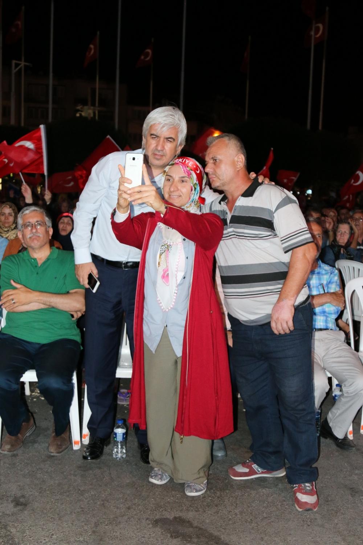 Fotoğraflarla Akhisar'da demokrasi nöbetinin 25. günü galerisi resim 63