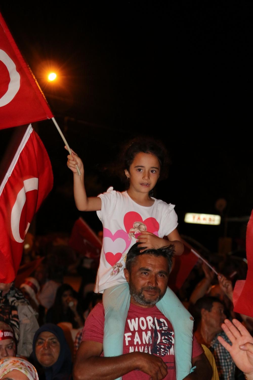 Fotoğraflarla Akhisar'da demokrasi nöbetinin 25. günü 64