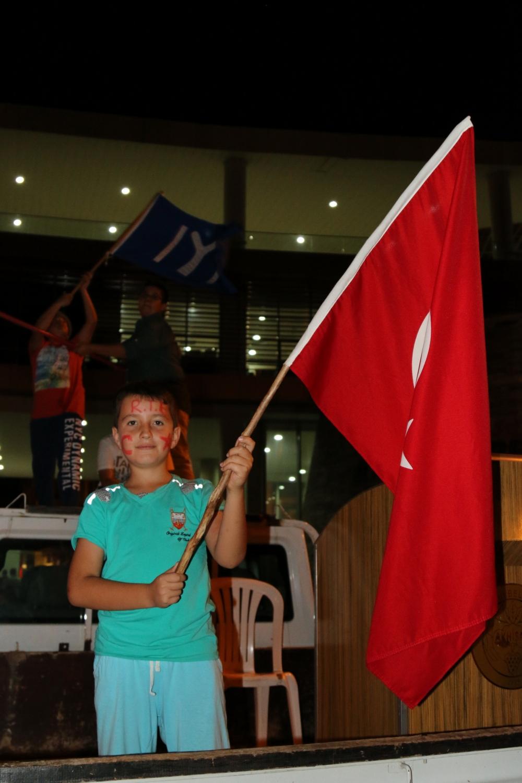 Fotoğraflarla Akhisar'da demokrasi nöbetinin 25. günü galerisi resim 68