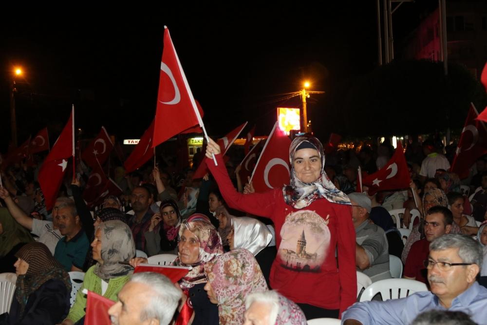 Fotoğraflarla Akhisar'da demokrasi nöbetinin 25. günü galerisi resim 7