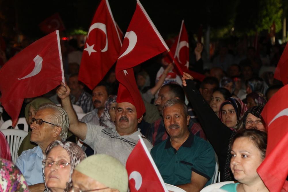 Fotoğraflarla Akhisar'da demokrasi nöbetinin 25. günü 8