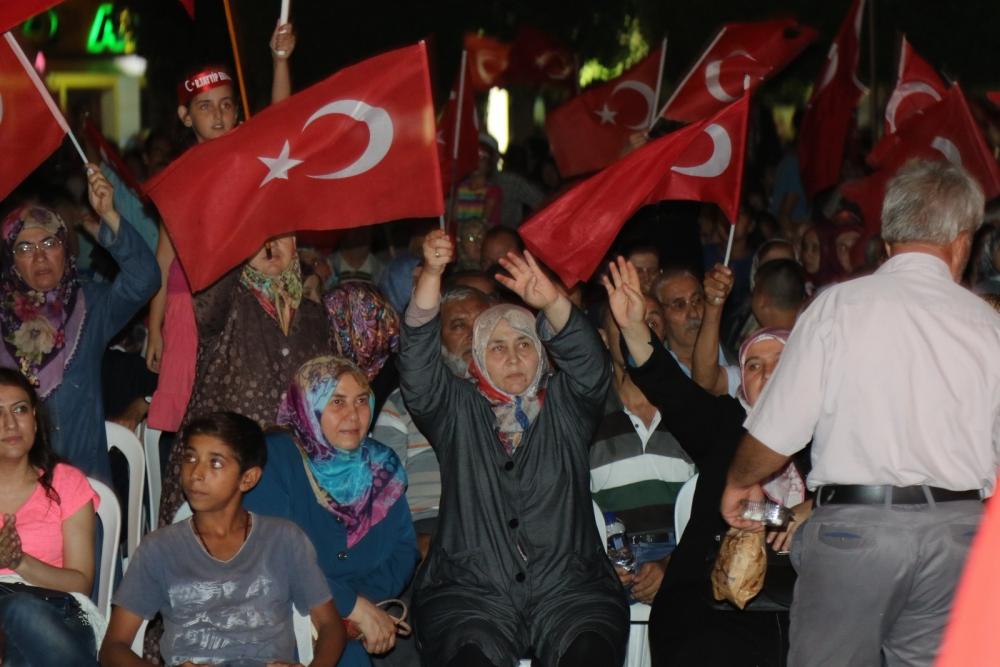 Fotoğraflarla Akhisar'da demokrasi nöbetinin 25. günü galerisi resim 9