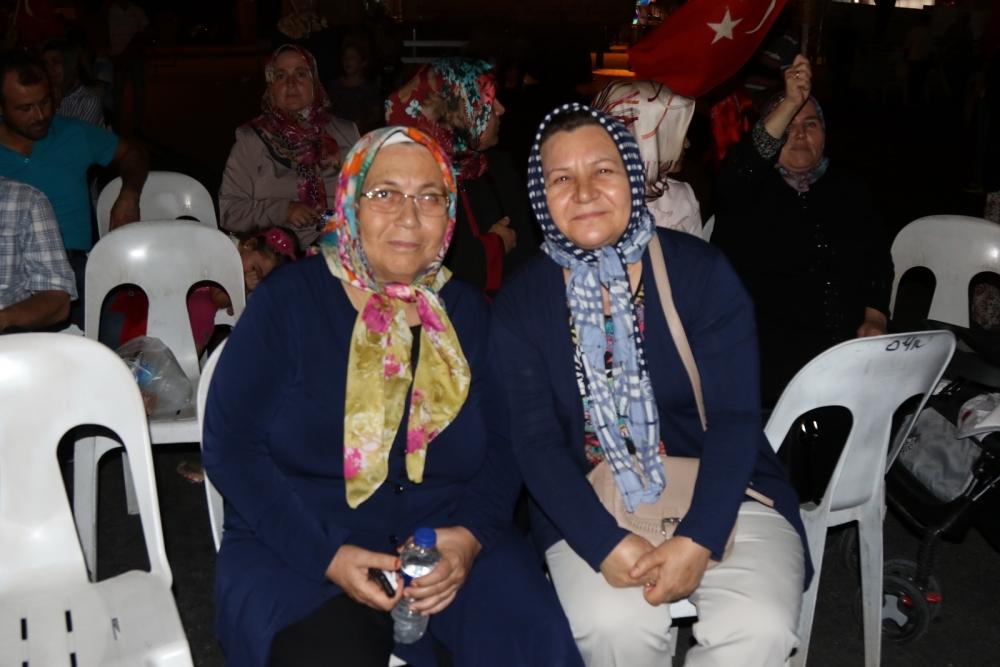 Fotoğraflarla Akhisar'daki demokrasi nöbetinin 26.günü 11
