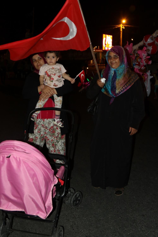 Fotoğraflarla Akhisar'daki demokrasi nöbetinin 26.günü 14