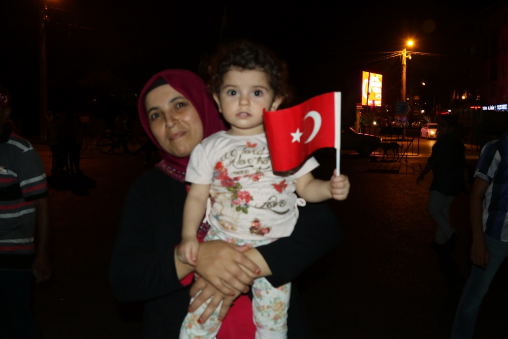 Fotoğraflarla Akhisar'daki demokrasi nöbetinin 26.günü 18