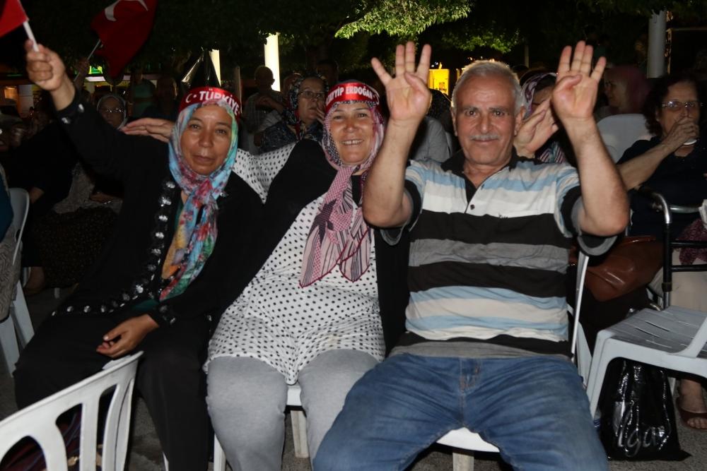 Fotoğraflarla Akhisar'daki demokrasi nöbetinin 26.günü 19