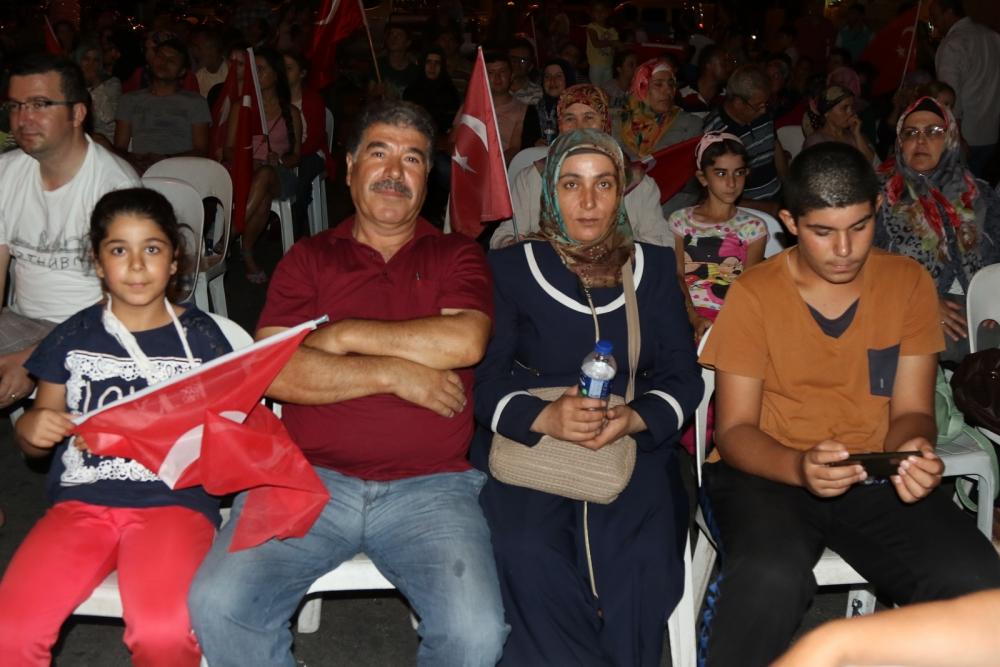 Fotoğraflarla Akhisar'daki demokrasi nöbetinin 26.günü 28