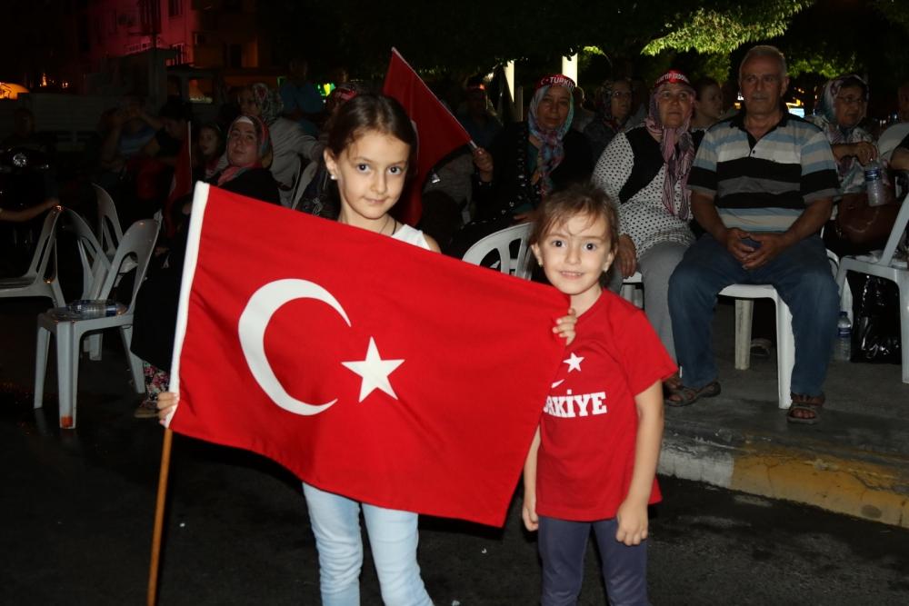 Fotoğraflarla Akhisar'daki demokrasi nöbetinin 26.günü galerisi resim 30