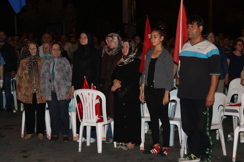Fotoğraflarla Akhisar'daki demokrasi nöbetinin 26.günü 31