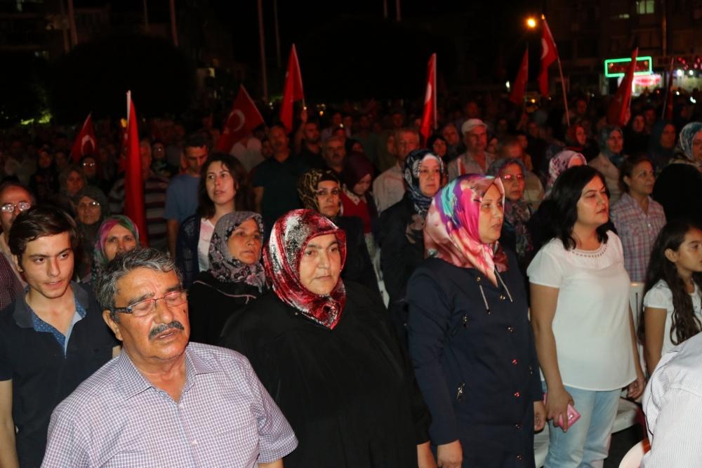 Fotoğraflarla Akhisar'daki demokrasi nöbetinin 26.günü 34