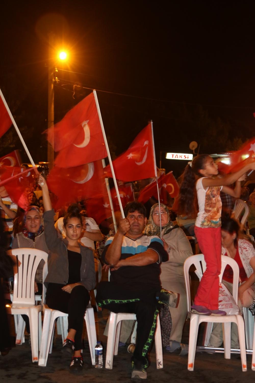 Fotoğraflarla Akhisar'daki demokrasi nöbetinin 26.günü 7