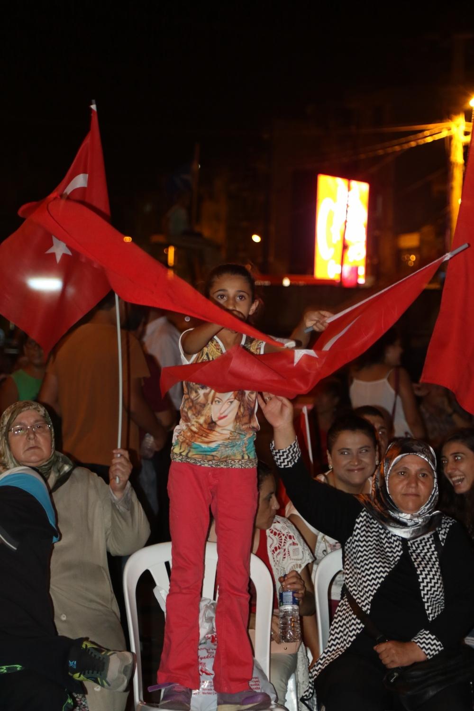 Fotoğraflarla Akhisar'daki demokrasi nöbetinin 26.günü 8