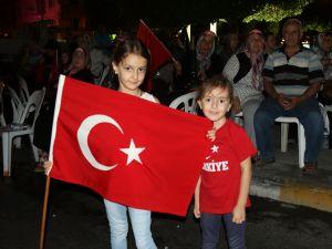 Fotoğraflarla Akhisar'daki demokrasi nöbetinin 26.günü