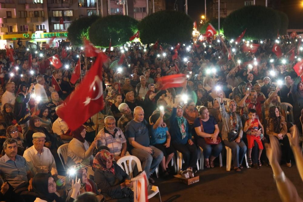 Fotoğraflarla Akhisar'daki demokrasi nöbetinin son günü 1