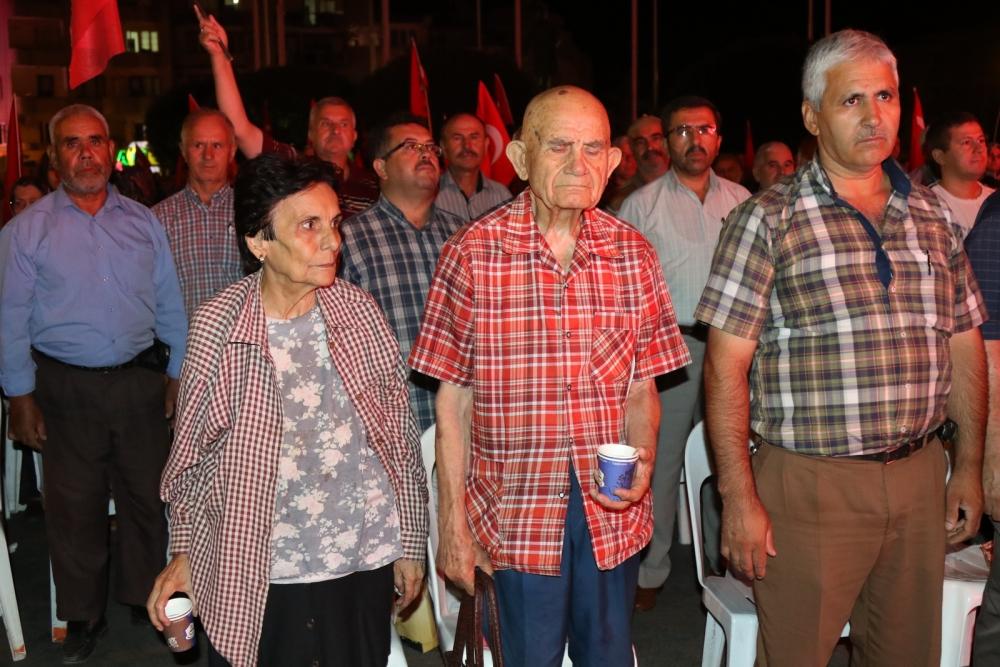 Fotoğraflarla Akhisar'daki demokrasi nöbetinin son günü 11
