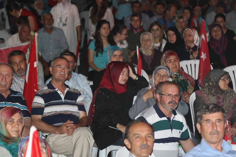 Fotoğraflarla Akhisar'daki demokrasi nöbetinin son günü 17