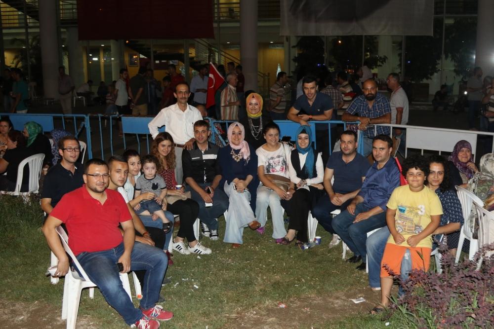 Fotoğraflarla Akhisar'daki demokrasi nöbetinin son günü 19