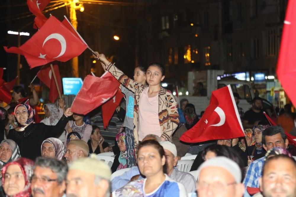 Fotoğraflarla Akhisar'daki demokrasi nöbetinin son günü 28