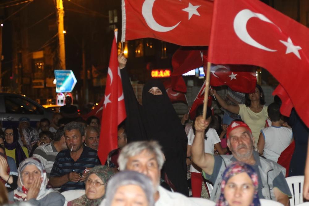 Fotoğraflarla Akhisar'daki demokrasi nöbetinin son günü 32