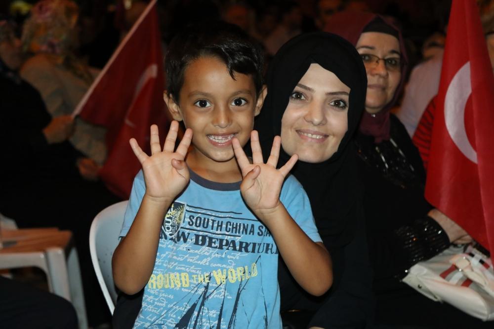 Fotoğraflarla Akhisar'daki demokrasi nöbetinin son günü 35