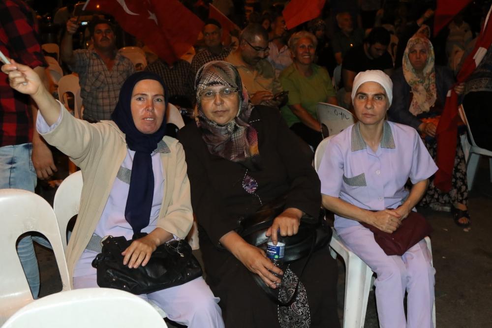 Fotoğraflarla Akhisar'daki demokrasi nöbetinin son günü 37